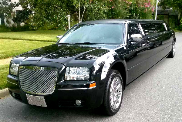 Raleigh North-Carolina Chrysler 300 Limo